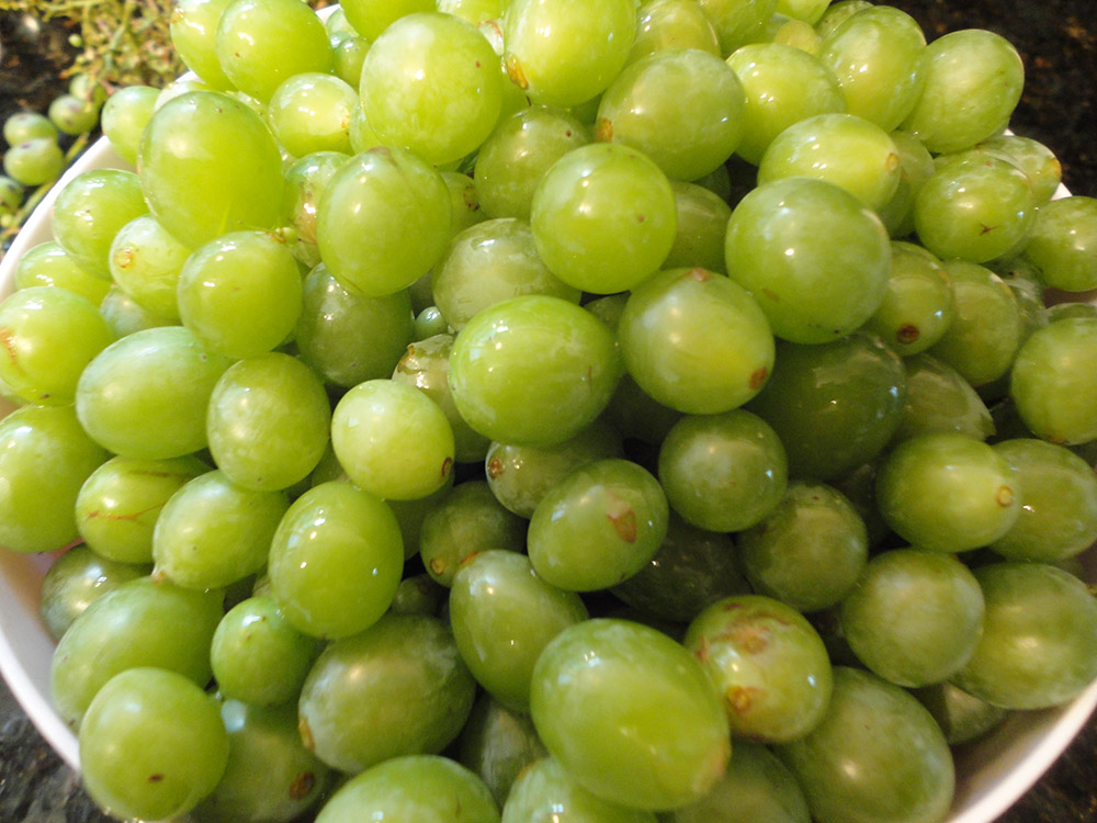 Balsamic grapes with a red wine sabayon